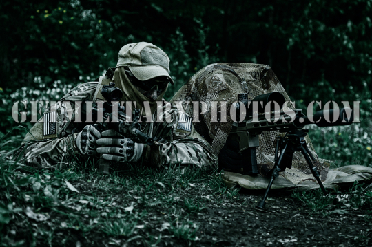 Sniper and spotter of Green Berets
