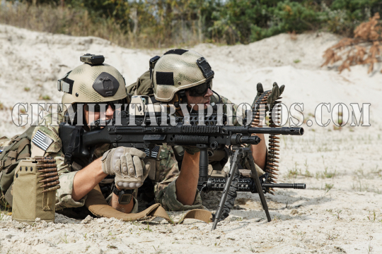 US Army Rangers machinegun crew